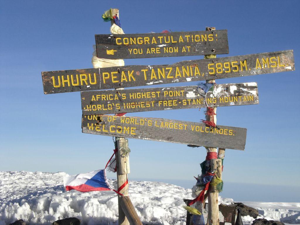 Uhuru Peak on Mount Kilimanjaro © Peter Zaharov | Dreamstime