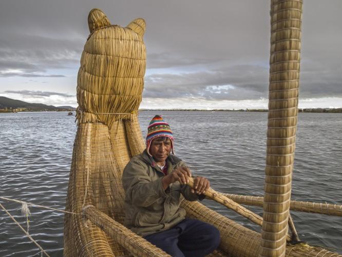 Balsa boat made of totora reeds © Mrpeak | Dreamstime