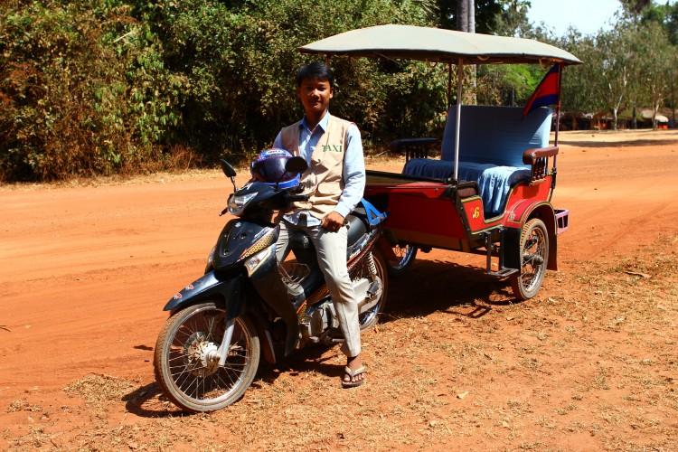 Cgo yong tuk tuk in Cambodia © Siriusthestar | Dreamstime