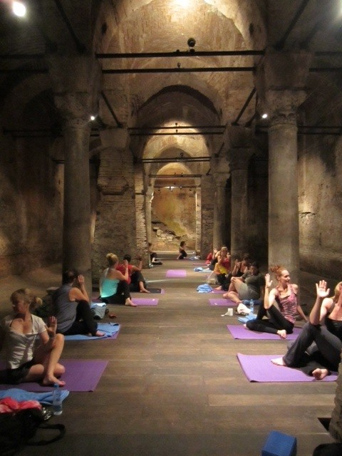 Cistern yoga © Escape to Shape