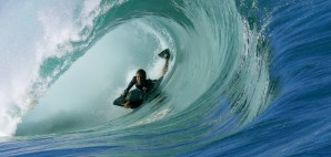 Eddie Solomon surfing of Oahu, Hawaii © Nalukai | Dreamstime