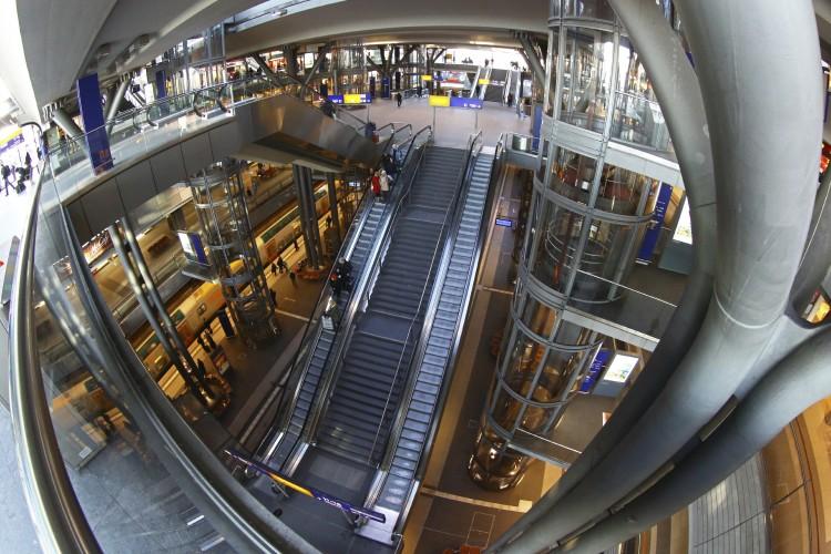 Hauptbahnhof Central Station © Manakin | iStock