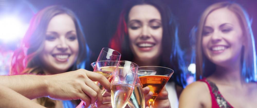 Bachelorette Party © Dolgachov | iStock