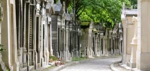 Mausoleums of Pere Lachaise, Paris, France © Mpk1970 | Dreamstime