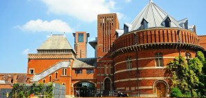 Royal Shakespeare Theatre, Stratford-Upon-Avon, England © Arenaphotouk | Dreamstime