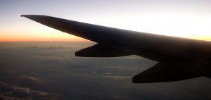 Airplane Wing Sky © Leaf | Dreamstime.com
