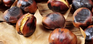 Roasted Chestnuts © Juan Moyano | Dreamstime