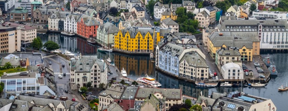Alesund, Norway from Mount Aksla © Tetyana Kochneva | Dreamstime 38979403