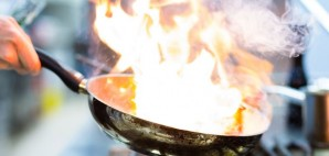 Chef Kitchen Pan Flambe Flame © Arne9001 | Dreamstime 26869175