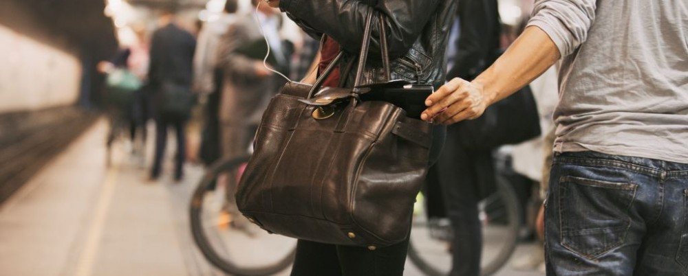 Pickpocket Theft Bag Subway Station © Ammentorp | Dreamstime 34743413
