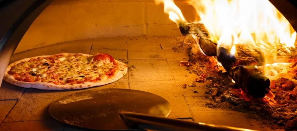 Trazee Travel Frank Pepe S Pizzeria Napoletana Trazee