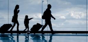 Airport Family Silhouette © Nicoelnino | Dreamstime 30972309