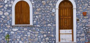 Ancient Medieval Village of Pereto in Abruzzo, Italy © Massimo Valicchia | Dreamstime 5150054