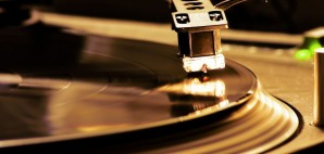 DJ Turntable Vinyl Record Player © Alessandro D'esposito | Dreamstime 3549249