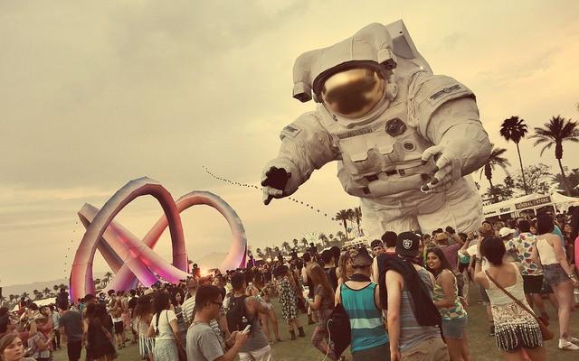 Escape Velocity at the Coachella Valley Music & Arts Festival, Indio, California © Sam Howzit | Flickr