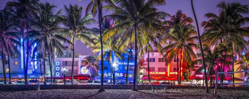 Ocean Drive, South Beach, Miami, Florida © Sean Pavone | Dreamstime ...