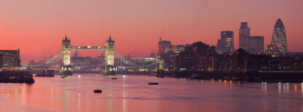 Tower Bridge and the City of London, United Kingdom © David Iliff   Dreamstime 5115019