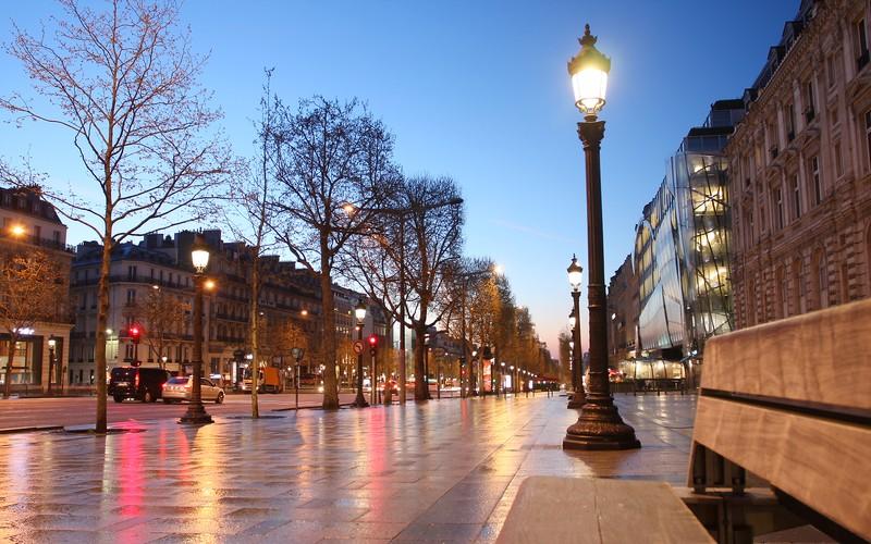 Champs Elysee, Paris © Tomas Marek | Dreamstime