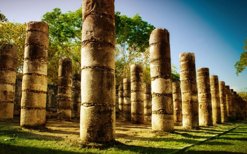 The Temple of a Thousand Warriors at Chichen Itza, Mexico © Subbotina | Dreamstime 24814439