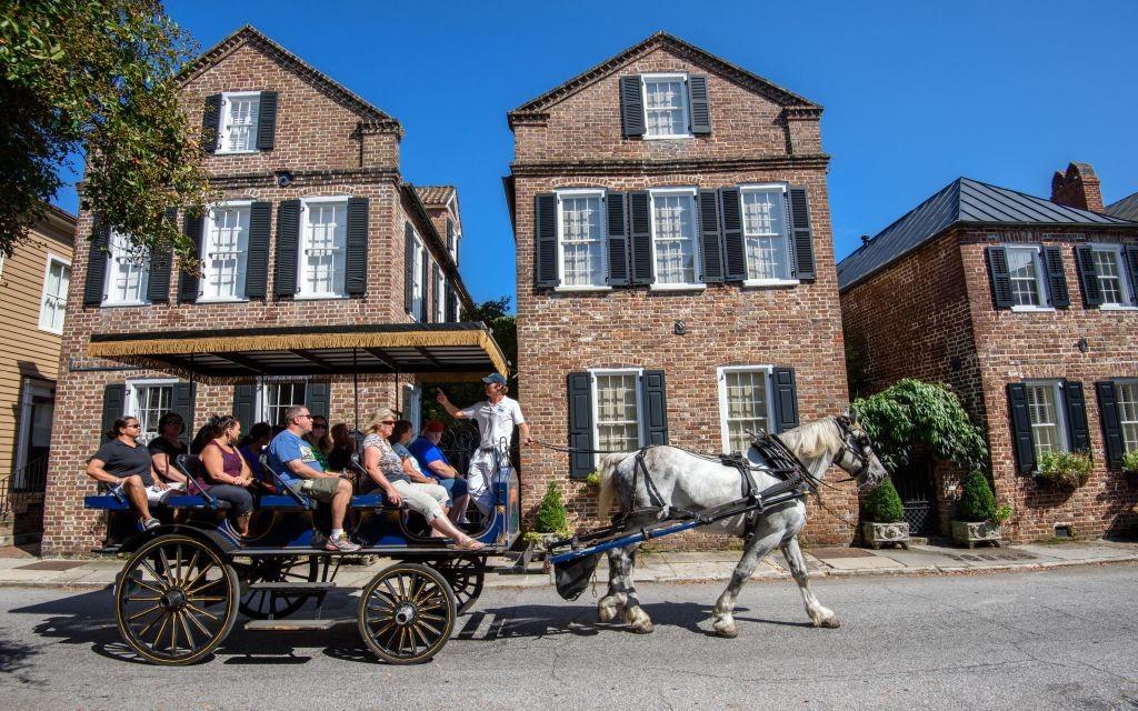 Horse Carriage Tour through Old Charleston, South Carolina © Rolf52 | Dreamstime 48363353