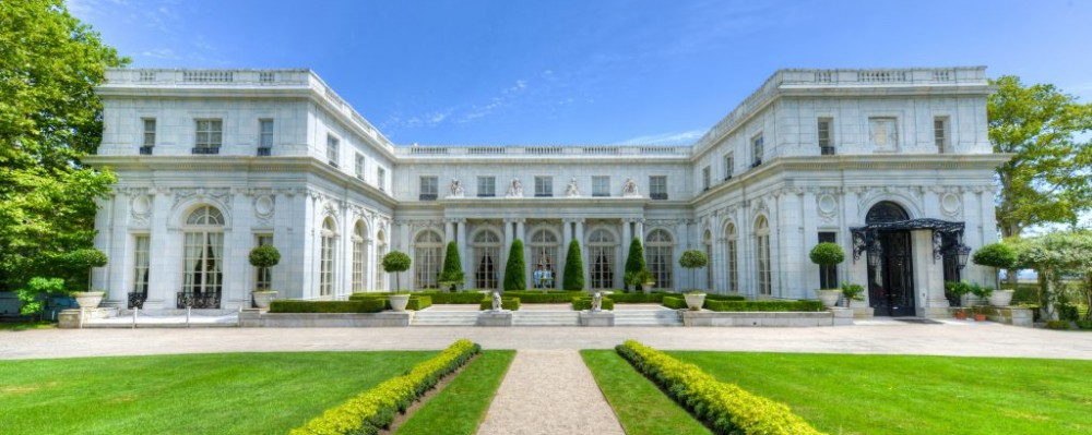 Trazee travel top 5 mansions to visit in newport r i for Cafe jardin newport beach