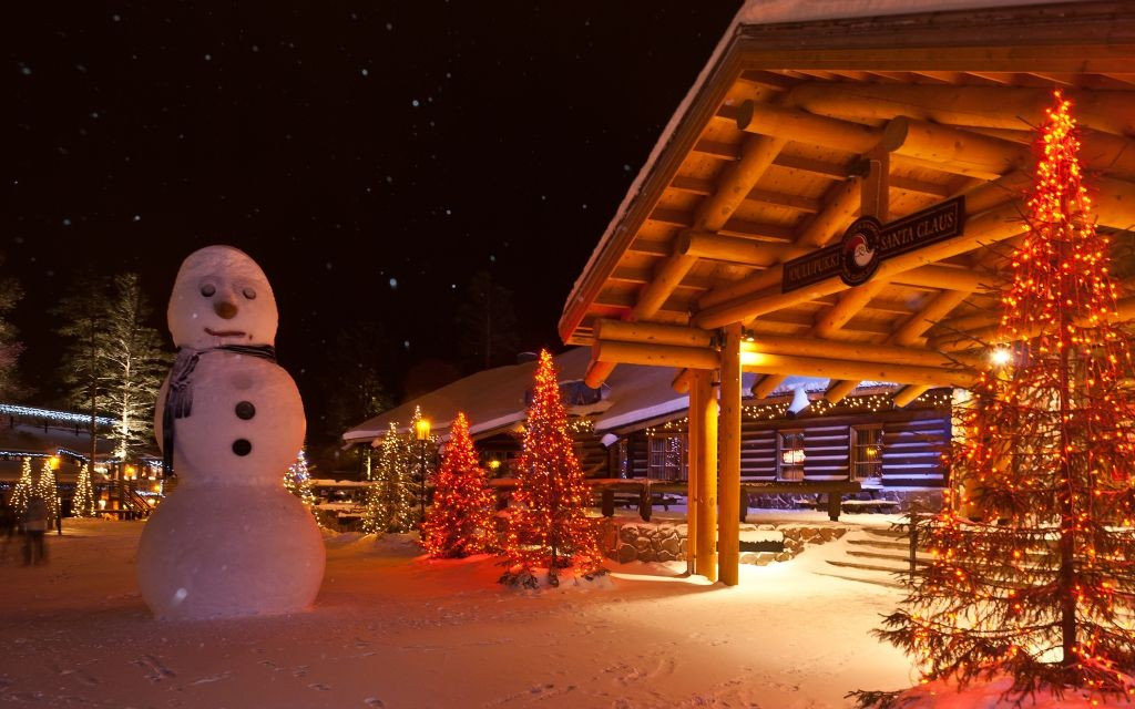Santa Claus Village in Rovaniemi, Finland © Ruslan Kurbanov | Dreamstime 40389123