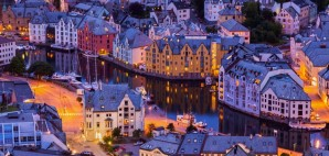 Twilight in Alesund, Norway © Nikolai Sorokin | Dreamstime 33355400