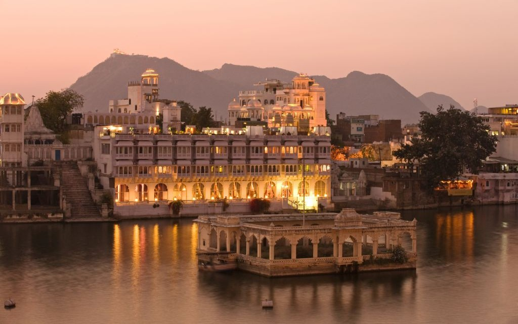 City Palace of Udaipur, Rajasthan, India © Minyun Zhou | Dreamstime 23848519