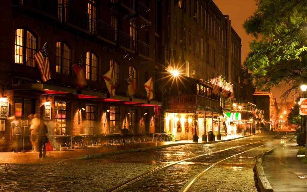 River Street, Savannah, Georgia © Natalia Bratslavsky | Dreamstime 15057174