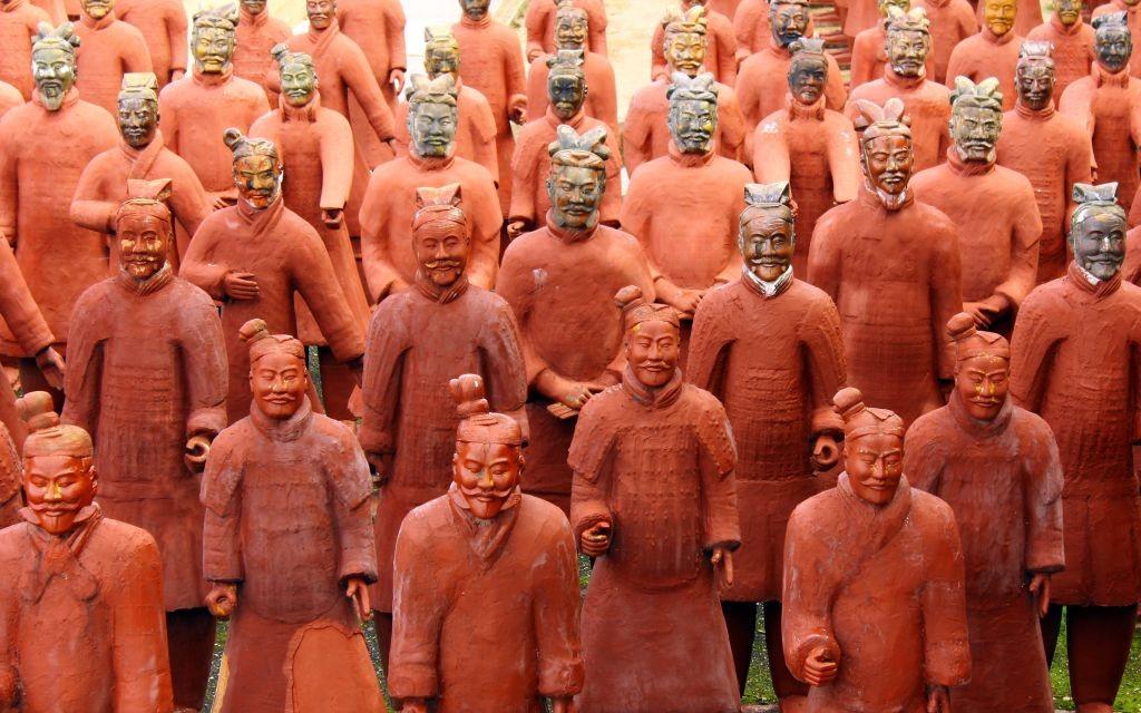 The Terracotta Army of Qin Shi Huang, Xian, China © Tiagoladeira   Dreamstime