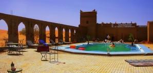 Moroccan spa hotel pool desert © Jozef Klopacka | Dreamstime 53696973