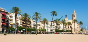 Trazee travel let the streets of bu ol run red la tomatina trazee travel - Sitges tourist information office ...