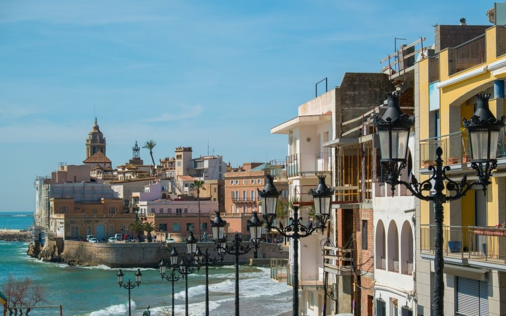 Trazee travel stag bachelor party in sitges spain - Fotos de sitges barcelona ...