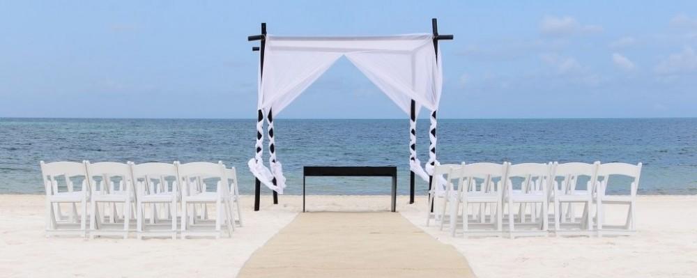 Beach Wedding In Cancun Mexico C Lmfotografia