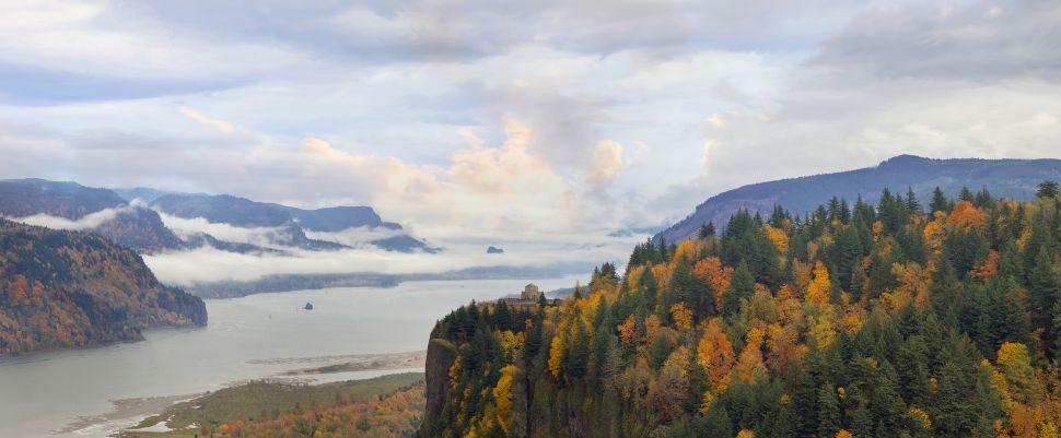 Columbia River Gorge © Jpldesigns | Dreamstime 27520251
