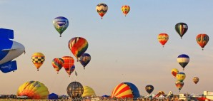 The New Jersey Festival of Ballooning in Readington © Gary718 | Dreamstime 5875624