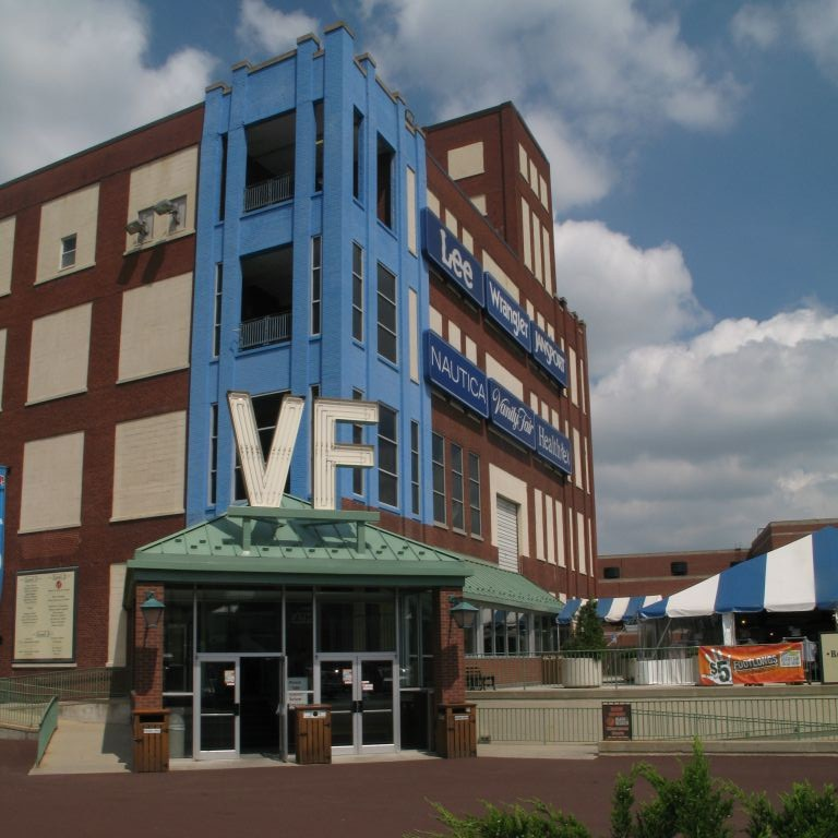 VF Outlet Center is located in Reading, Pennsylvania and offers 12 stores - Scroll down for VF Outlet Center outlet shopping information: store list, locations, outlet mall hours, contact and address.3/5(7).