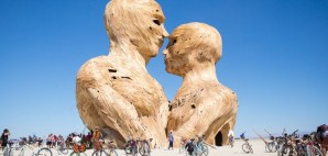 Embrace by Matt Schultz at Burning Man 2014, Black Rock City, Nevada © Gwen Schroeder | Flickr 6mb
