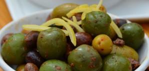 Olives at Terra Plata, Seattle, Washington © Rob Bertholf | Flickr