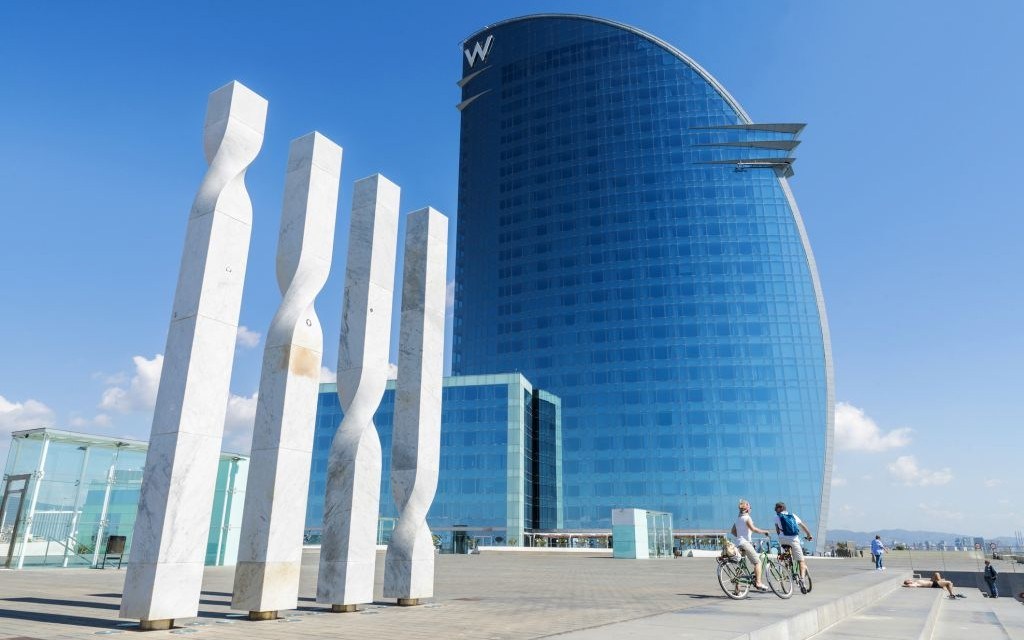The W, Barcelona, Spain © 22tomtom | Dreamstime 41210762