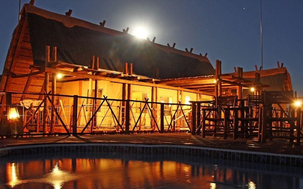 !Xaus Lodge, Kgalagadi Transfrontier Park, South Africa © Eleanor Muller | Flickr