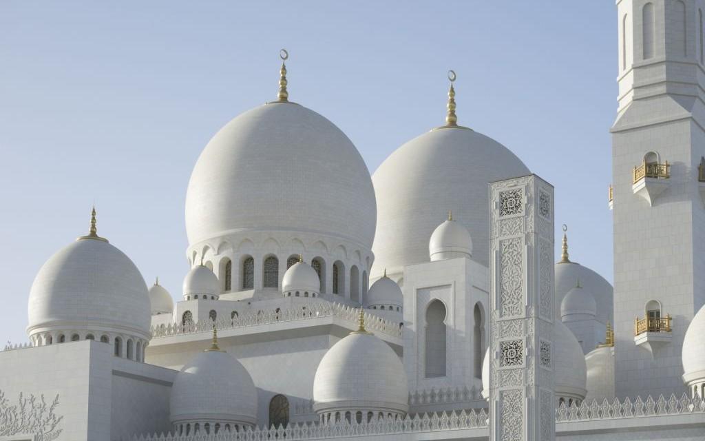 Sheikh Zayed Mosque, Abu Dhabi, United Arab Emirates © Lupolucis | Dreamstime 51358832