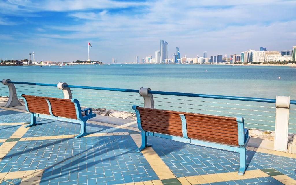 The Corniche, Abu Dhabi, United Arab Emirates © Patryk Kosmider | Dreamstime 40858412