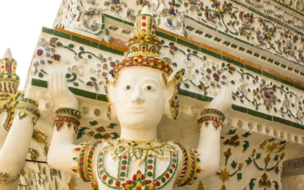 Wat Arun, Bangkok, Thailand © Nonnut Nomrawee | Dreamstime 53548380