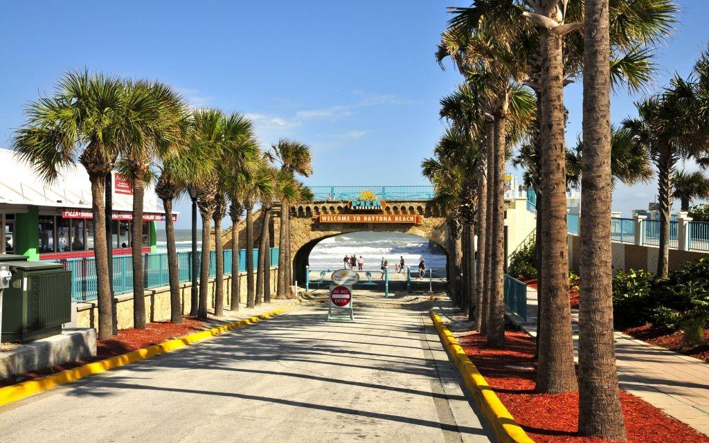 Daytona Beach, Florida © Daniel Schreurs | Dreamstime 59982788