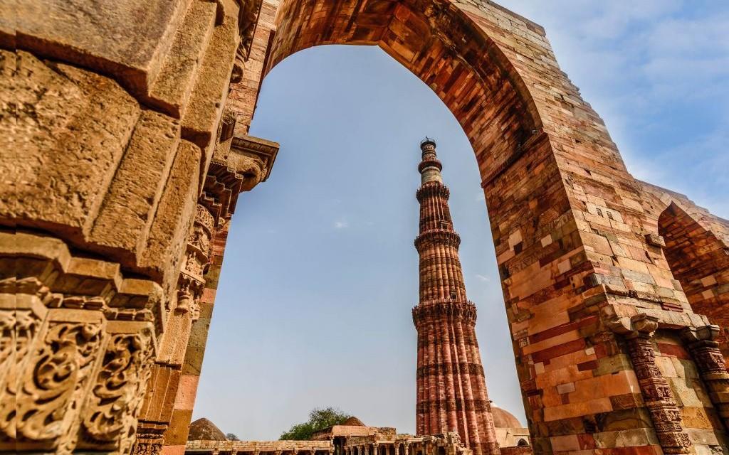 Qutub Minar, Old Delhi, India © Dvrcan | Dreamstime 54561273