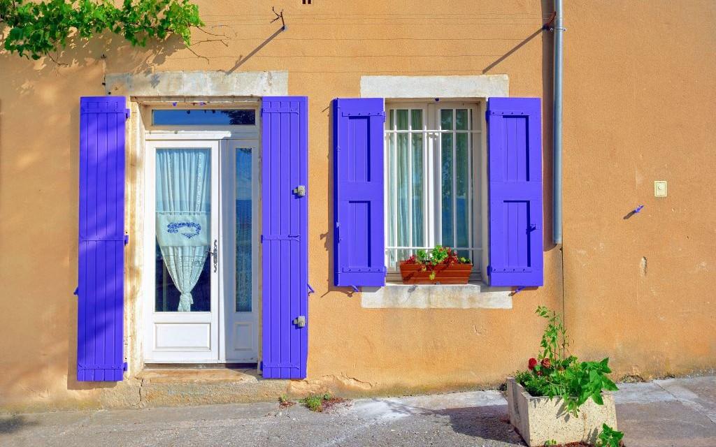 Lavender Shutters in Bonnieux Village, Provence, France © Oleg Znamenskiy   Dreamstime 51371935