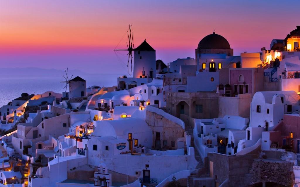 Santorini, Greece © Alexander Tolstykh | Dreamstime 16631787