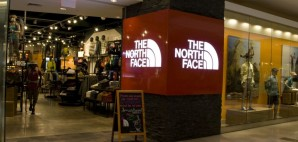 The North Face © Jackbluee | Dreamstime 30935782
