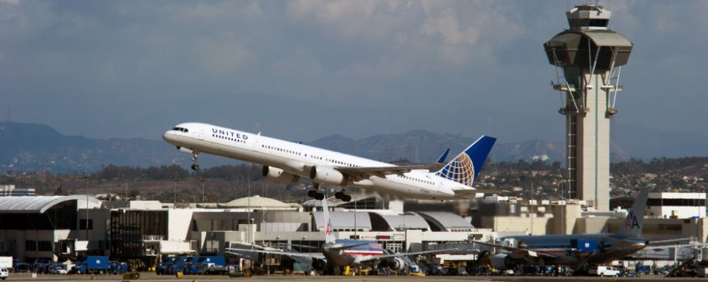 United Airlines, LAX, Los Angeles, California © Christopher Halloran | Dreamstime 28670434